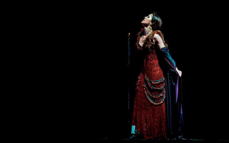 Especpectaculo de danza La liturgia sagrada del baile de Patricia Guerrero que nos invita a reflexionar sobre el papel de la religión en las dinámicas de opresión de la mujer
